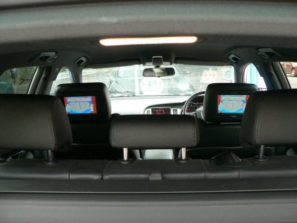 AUDI A6 HEADRESTS2