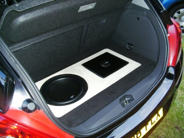Car Audio Centre Leicester In Phase Install Into Vauxhall