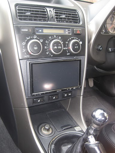 Lexus IS200 car audio centre tooting Sony XNV-L77BT sat nav