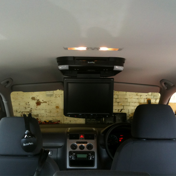 VW Touran Installed IN Phase IVR10 at the Car Audio Centre Tooting