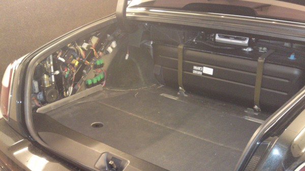 bentley fusebox 600x337 fun and games with a bentley arnage red label\u201d car audio centre news  at alyssarenee.co