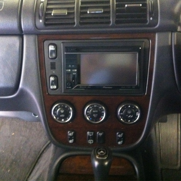 Mercedes ML320 has a Pioneer AVH-3300bt installed at the Car Audio Centre Tooting