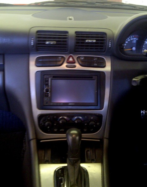 Mercedes C-Class coupe has Kenwood DDX-4028BT installed