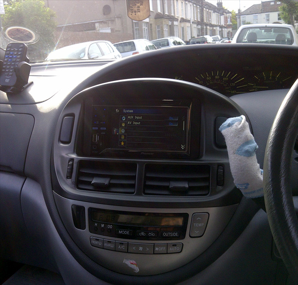 Toyota Previa fitted with the Pioneer AVH-3300BT Bluetooth multimedia system